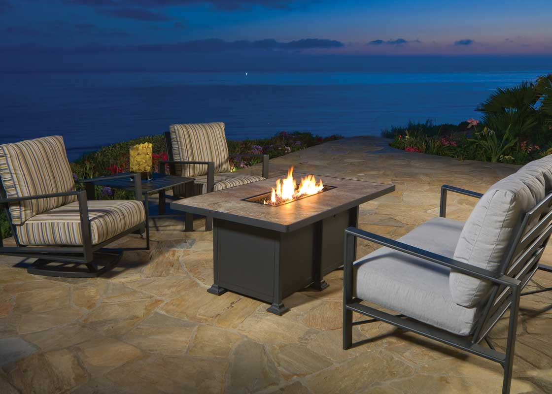 owlee-gios-seating-collection-firepit