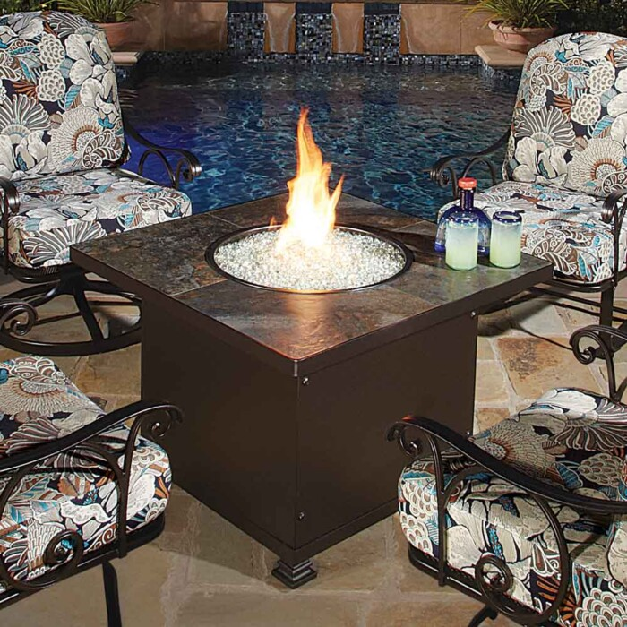 santorini-chat-height-square-fire-pit