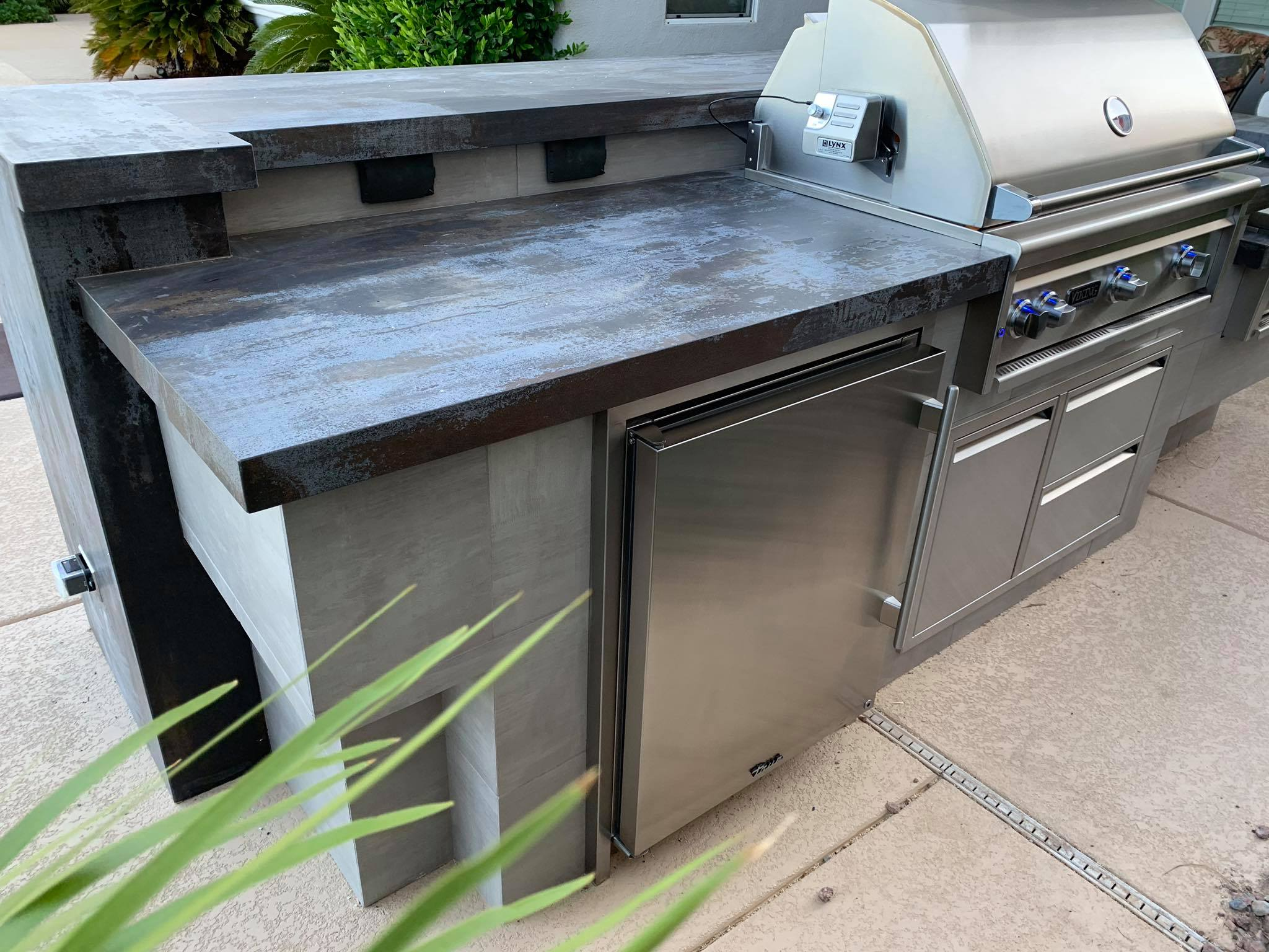 Outdoor Kitchen Viking Outdoor Grill 2