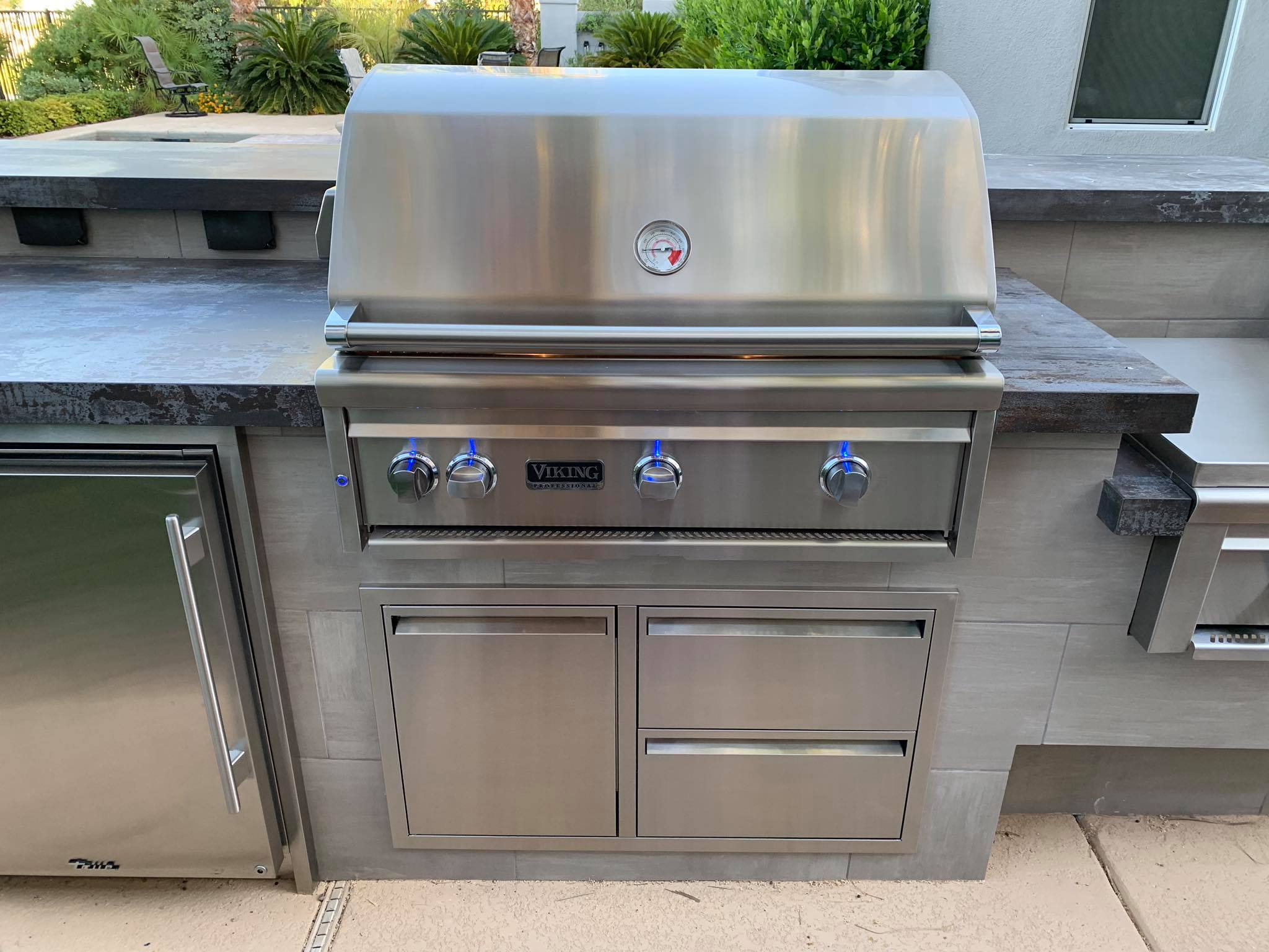 Outdoor Kitchen Viking Outdoor Grill 3