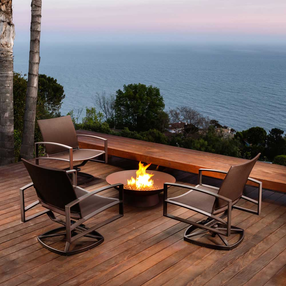 basso-fire-pit-with-pacifica-seating